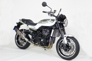 Z900RS認証フルエキ斜め